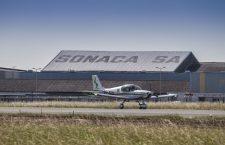 Un astfel de aparat de zbor construit la Cluj va ajunge să coste aproximativ 175.000 de euro, fiind vorba despre un monomotor cu elice, de mici dimensiuni.