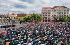 O susținem pe Simona în Piața Unirii din Cluj Napoca?