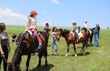 Weekend în vacanță: turul orașului, lego, iluzii sau… călărie!