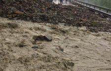 Circulație blocată pe mai multe drumuri din județul Cluj după furtuna de aseară