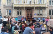 """Protest la Cluj: """"Toți pentru România! Vă vedem și nu uităm!"""""""