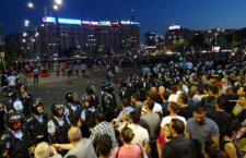 Fierbe țara. Mitinguri de solidaritate cu Bucureștiul, la Cluj și în toată România. Viena condamnă violențele