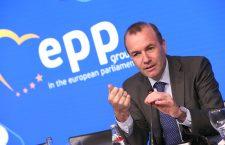Manfred Weber ar putea fi succesorul lui Jean-Claude Juncker la șefia Comisiei | Foto: PPE