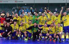 Naționala de handbal masculin a României, după victoria cu Polonia, reușită acum doi ani tot în Sala Polivalentă din Cluj care va găzdui meciul cu campioana mondială, Franța/Foto: Dan Bodea