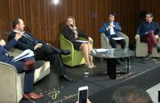 Dezbaterea LSR: Dialogul surzilor pe tema referendumului.