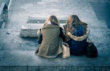 Să fim solidari! Burse de studii pentru două fete din Baia Sprie
