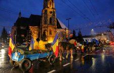 Căruțele cu maramureșenii ce refac drumul Unirii spre Alba-Iulia au ajuns în Cluj