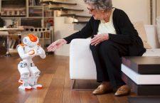 Nu e Zorro, e Zora - un robot care asistă persoanele în vârstă | Foto: Aldebaran Robotics