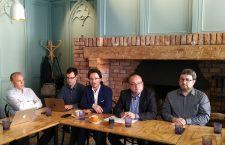 O parte din fondatorii ICDE: Vasile Popovici, Lev Fejes, Cristi Danileț, Valentin Naumescu și Lucian Leuștean (de la stânga la dreapta) | Foto: Bogdan Stanciu