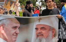 Prin ochii celorlalți. Cum s-a citit despre vizita Papei în România prin presa internațională
