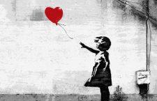 Lucrarea Girl with a balloon aparținând lui Banksy