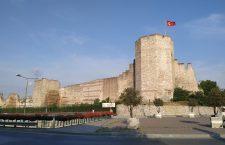 Zidurile Constantinopolului, în zona Porții Adrianopolului. Pe aici a intrat Mehmed al II-lea în oraș  | Foto: Bogdan Stanciu