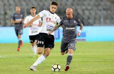 """Robert Dican (foto, stânga) a fost cel mai periculos jucător de la """"U"""" Cluj în meciul de la Pitești / Foto Dan Bodea"""