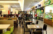 Fast-food-urile din oraș, faza pe gândaci. Protecția Consumatorilor a închis partea de food și din Carrefour-ul de la Vivo. Urmează controale la Iulius Mall, cu antecedente în domeniu