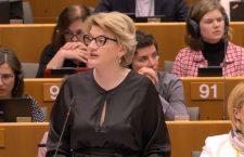 Melania-Gabriela Ciot în timpul unei intervenții în Parlamentul European pe tema Brexit | Foto: romania2019.eu