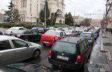 Singuri în mașină, sau de ce traficul din Cluj va rămâne un coșmar