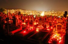 Foto   Spectacol-rugăciune de Luminație. Mii de clujeni au onorat memoria celor plecați dintre noi