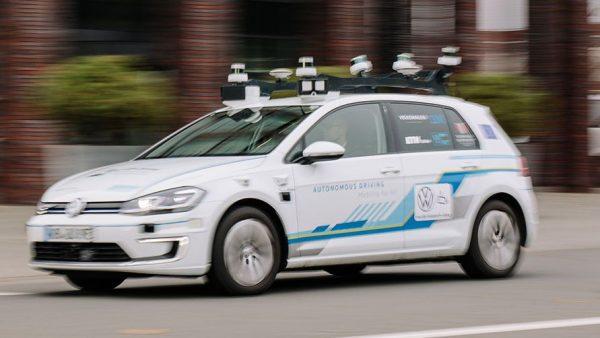 Volkswagenul fără șofer percepe realitatea printr-o tehnologie made in Cluj