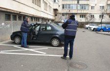 Noaptea ca hoții. Câteva mașini au fost sparte vineri noapte în cartierul Mărăști