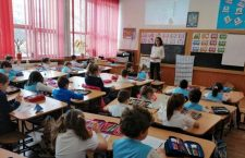 Modificări majore la Legea Educației contestate de studenți și de experți. Liber la mandate de rectori și UDMR stabilește clasele în școli
