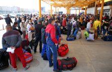 Primii muncitori sezonieri români au ajuns în Germania. Începe carantina la locul de muncă. Eurowings pregătește transportul altor zeci de mii
