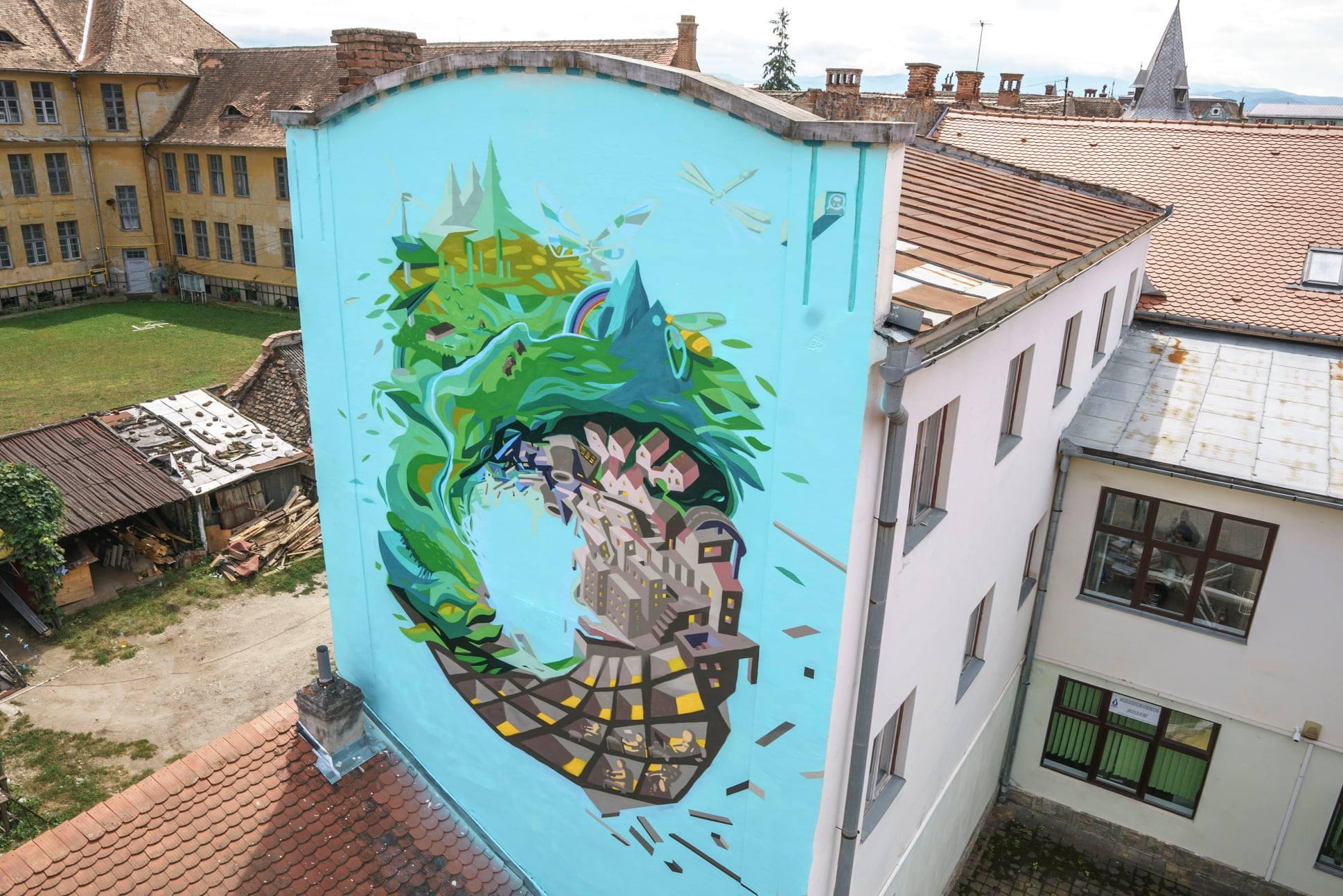 Artist Lucian Sandu-Milea. Sediul Urbana, str. Andrei Șaguna, nr. 9/Foto: Sergiu Pavălă
