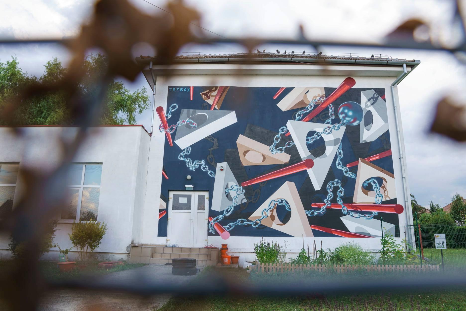 Artist: Toybox. Lucrare pe Grădinița nr. 22, Calea Poplăcii, nr. 11/Foto: Sergiu Pavălă
