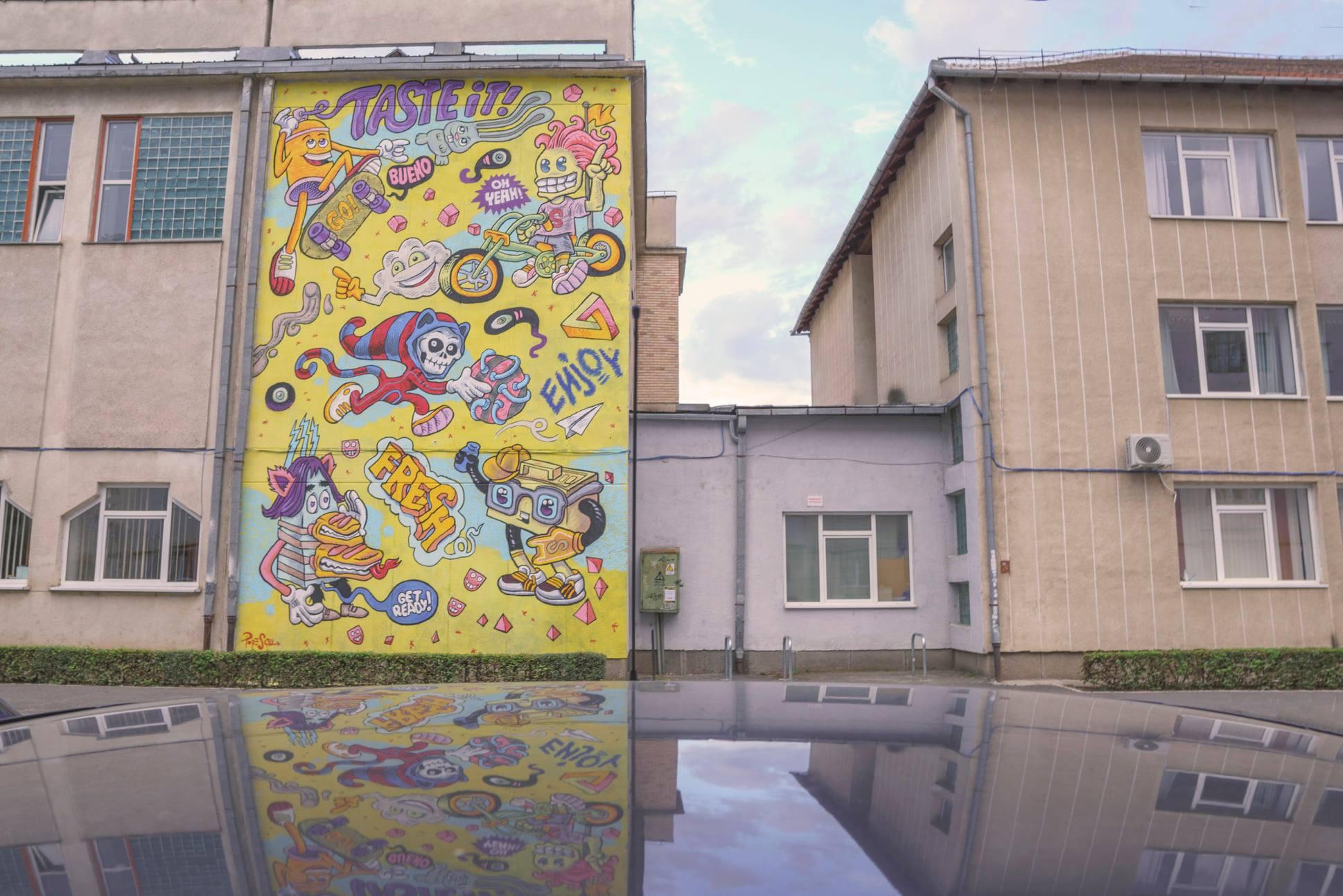 """Artist: Popescu. Lucrare pe Liceul Teoretic """"Onisifor Ghibu"""", str. Bihorului, nr. 3/Foto: Sergiu Pavălă"""
