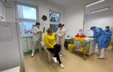 """Medic vaccinat la Cluj: """"Mi s-a părut ceva extraordinar, dar sper să devină ceva obișnuit"""""""