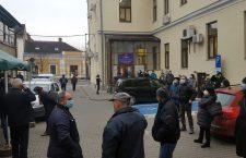 Clujenii au stat la coadă încă din prima zi a anului pentru plata parcării și a impozitelor. Platformele online, luate și ele cu asalt