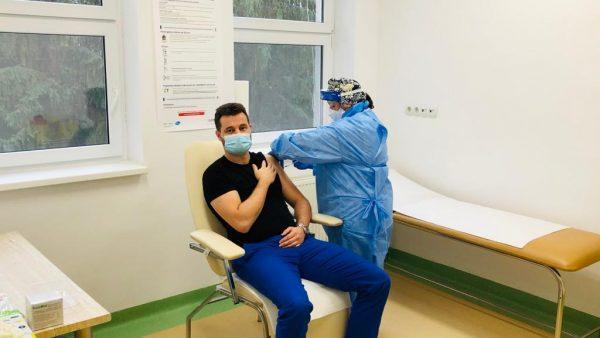 Vaccinarea, obligatorie pentru a scăpa de mască? Este asta o discriminare? Ce spun autoritățile clujene