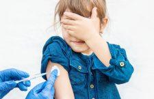 Faptul că mulți adulți amână sau refuză să se vaccineze anti-Covid obligă la urgentarea vaccinării copiilor. O analiză The Atlantic