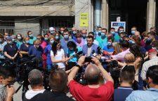 FOTO   Protest împotriva desființării Institutului de Urologie şi Transplant Renal Cluj. Ministerul vrea integrarea lui în Spitalul Județean
