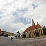 Clujul ia faţa Timişoarei