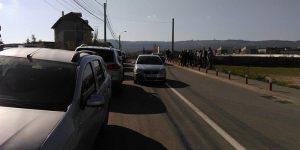 Protest pe strada Trifoiului: oamenii nu vor blocuri cu 10 etaje lângă casele lor