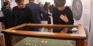 Leul își dezvăluie istoria la Cluj, în cadrul unei expoziții inedite