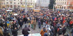 5.000 de oameni au protestat la Cluj față de OUG privind amnistia și grațierea