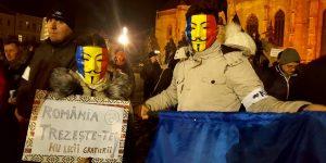 Peste 1.000 de clujeni au cerut demisia Guvernului în cea de-a 14-a seară de proteste