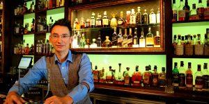 Un clujean, în cursa pentru barmanul anului în lume. Silviu Popa reprezintă România la cel mai prestigios concurs mondial de bartending