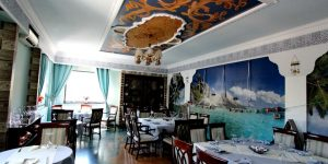 Ai poftă de ceva exotic? Un restaurant clujean propune carne de piton, cangur, zebră, cămilă, ren sau crocodil