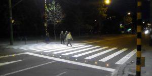Primăria vrea să ilumineze trecerile de pietoni nesemaforizate din oraş. Consiliul Judeţean a eşuat cu acest proiect