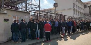 Fanii FCSB iau cu asalt arena din Gruia