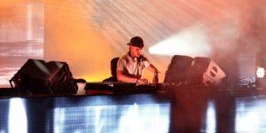 DJ-ul și producătorul Avicii a încetat din viață la vârsta de 28 de ani. Artistul a fost prezent la Cluj, pe scena UNTOLD, în 2015