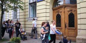 905 copii din Cluj rămași fără loc la creșele de stat