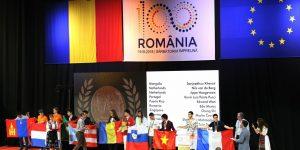 FOTO | Festivitatea de încheiere a Olimpiadei Internaționale de Matematică: echipa SUA pe primul loc, doi concurenți cu punctaje perfecte și organizare exemplară