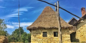 Chidea, satul sufletelor calde în case de piatră
