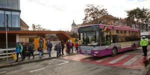 Autobuzele școlare, mană cerească pentru traficul infernal din Cluj