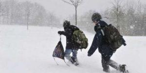 Școli închise în județul Cluj din cauza zăpezii
