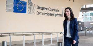 Comisarul european pentru Economie Digitală vine la Cluj la Startup Europe Summit