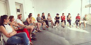 Dezbatere la Fabrica de Pensule: De ce critica de artă este aproape inexistentă la adresa scenei artistice din Cluj